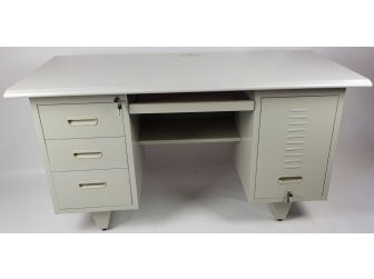 Quality Grey Metal Desk 1400mm Lockable units